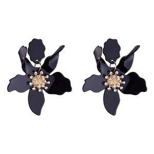 Jewelry - NWT Black Acrylic Flower Drop Earrings